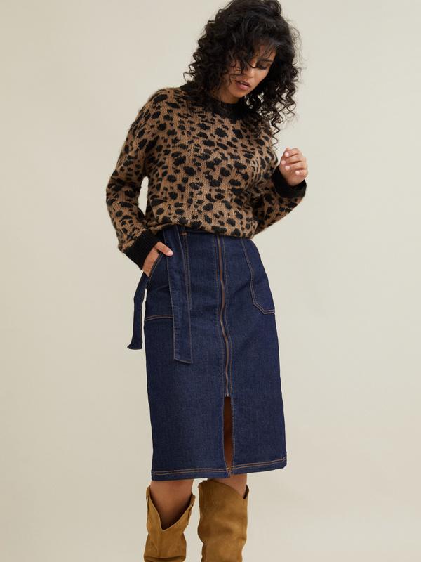 Джинсовая юбка-миди с поясом - фото 1