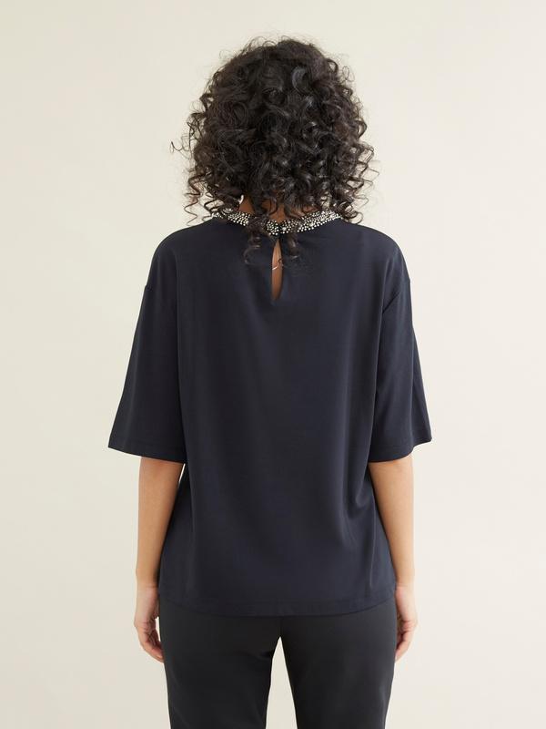Блузка с декорированным воротником - фото 3
