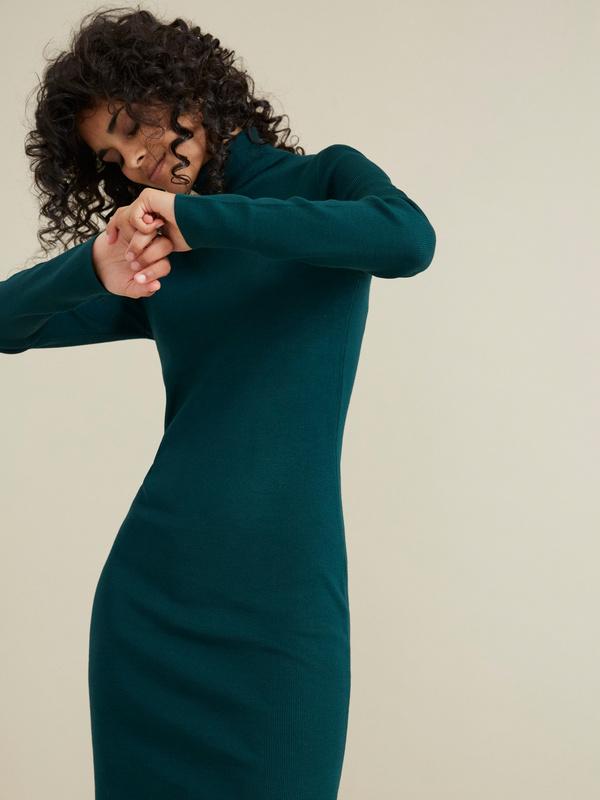 Облегающее трикотажное платье вискоза - фото 3