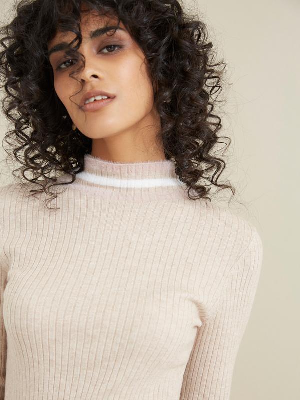 Облегающий свитер в рубчик - фото 2
