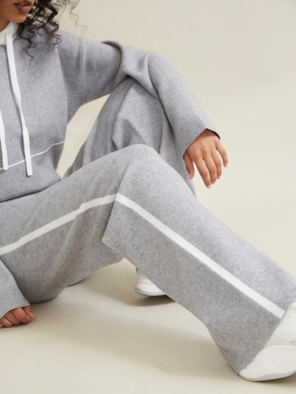 Трикотажные брюки с контрастной полосой - фото 4