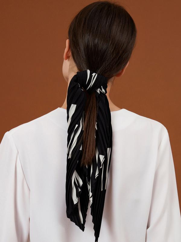 Платок из плиссированной ткани - фото 4