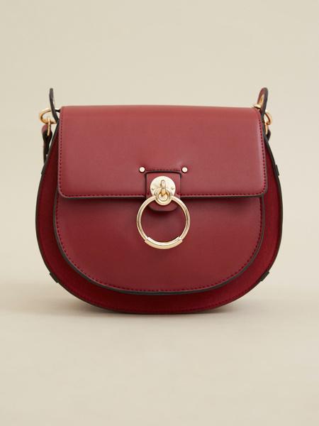 Мини-сумка с клапаном на длинном ремешке - фото 1