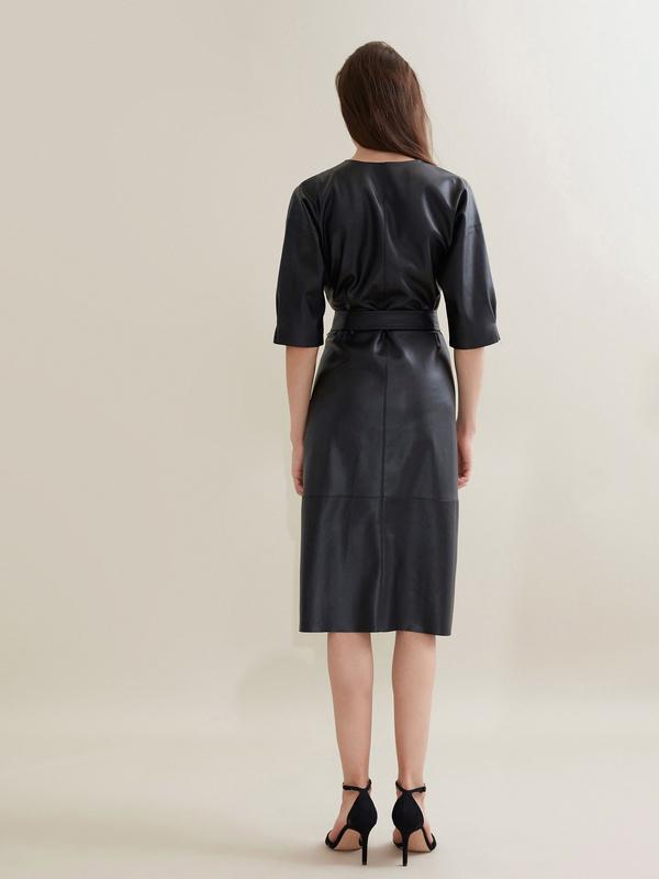 Платье-миди с поясом искусственная кожа - фото 4