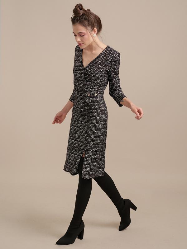 Фактурное платье на запахе - фото 2