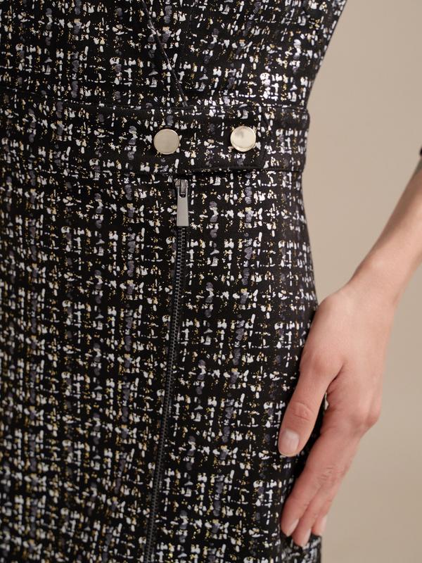 Фактурное платье на запахе - фото 4
