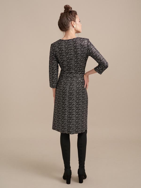 Фактурное платье на запахе - фото 6