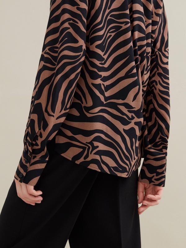Блузка с анималистичным принтом 100 % вискоза - фото 3
