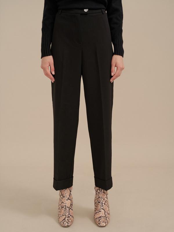 Укороченные брюки со стрелками
