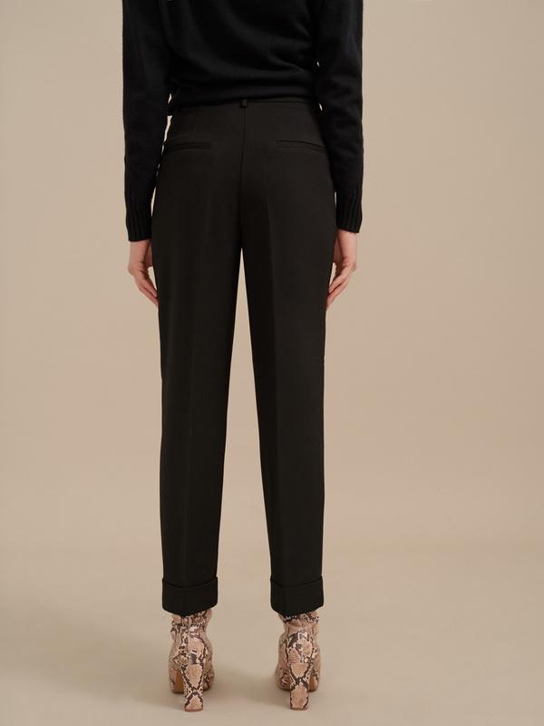 Укороченные брюки со стрелками - фото 4