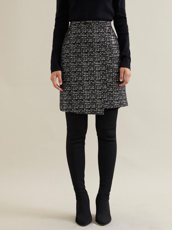 Фактурная юбка-мини на запахе - фото 2