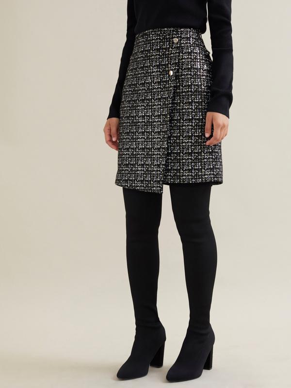 Фактурная юбка-мини на запахе - фото 3