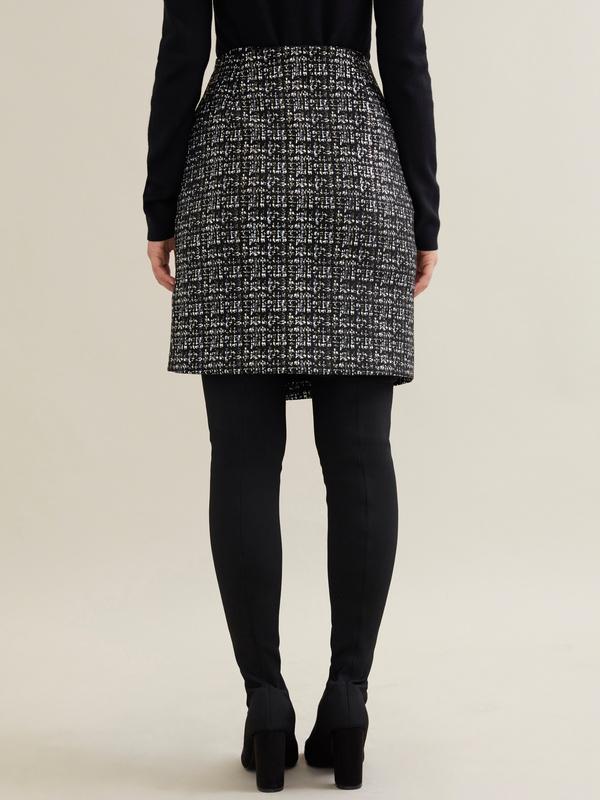 Фактурная юбка-мини на запахе - фото 4