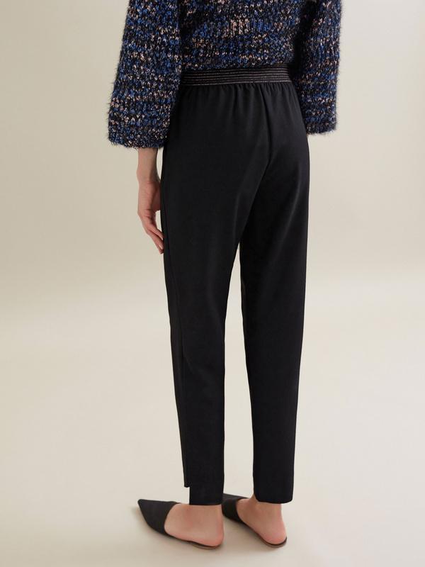 Зауженные брюки с эластичным поясом - фото 6