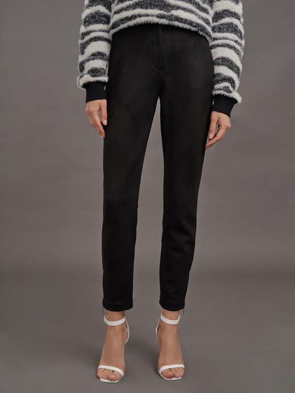 Зауженные брюки имитация замши - фото 1