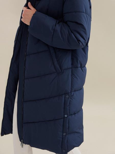 Длинное стеганое пальто с капюшоном - фото 3