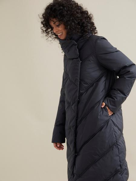 Стеганое пальто с ассиметричной застежкой - фото 2