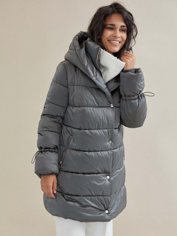 Куртка с завязками на рукавах