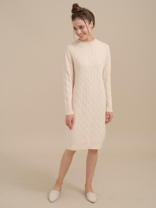 Трикотажное платье-миди объемной вязки - фото 1