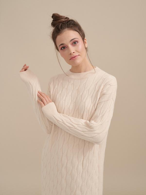 Трикотажное платье-миди объемной вязки - фото 2