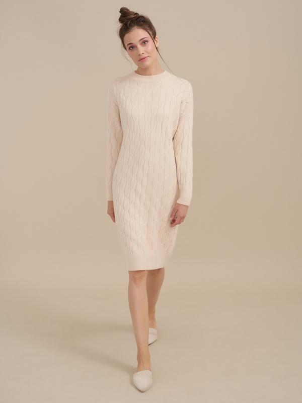 Трикотажное платье-миди объемной вязки - фото 4