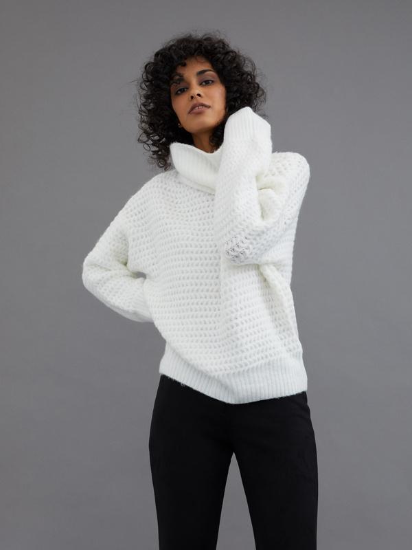 Удлиненный свитер с воротником хомут - фото 1