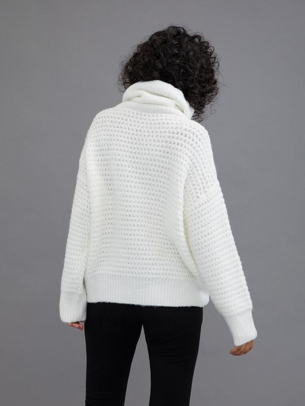 Удлиненный свитер с воротником хомут - фото 5