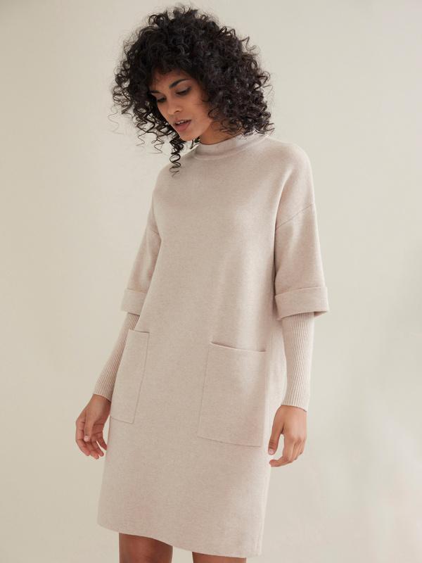 Трикотажное платье с накладными карманами - фото 4
