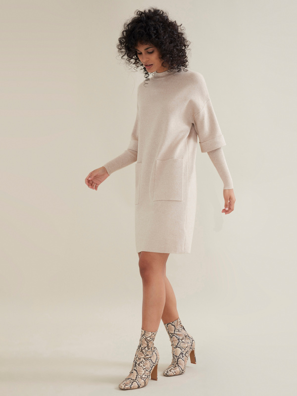 Трикотажное платье с накладными карманами - фото 5