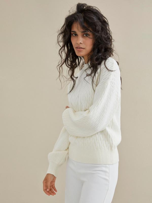 Джемпер комбинированной вязки со спущенной линией плеча - фото 3
