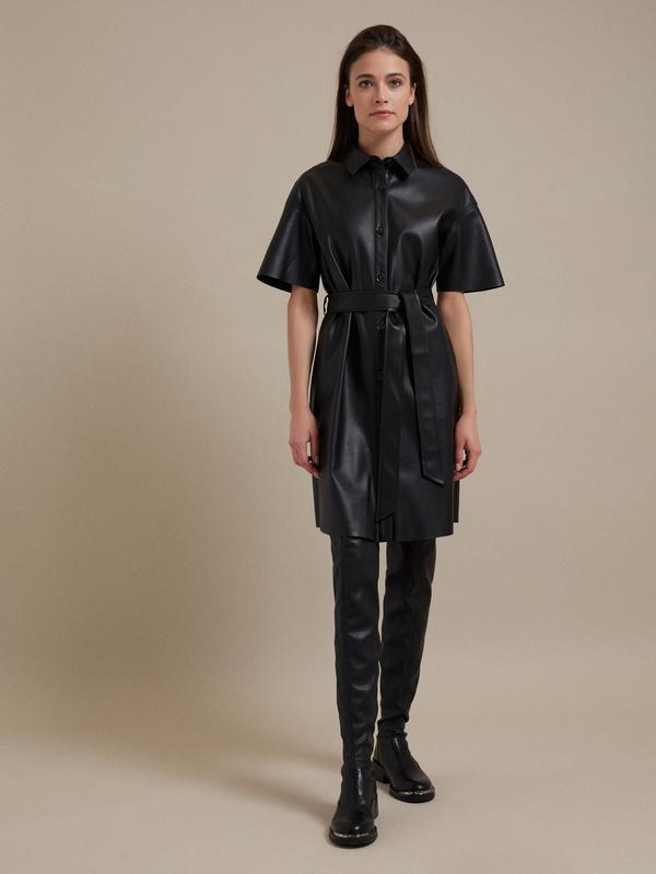 Платье-рубашка экокожа - фото 4