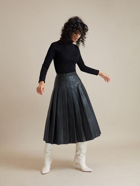 Плиссированная юбка экокожа - фото 2