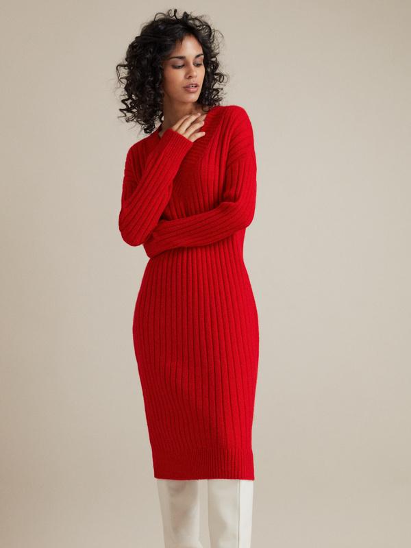 Трикотажное платье с V-образным вырезом - фото 1