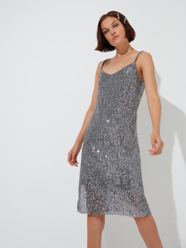 Платье на тонких бретелях с пайетками - фото 3