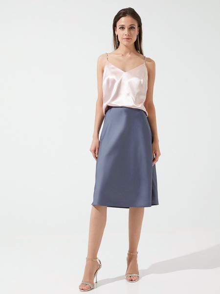 Расклешенная юбка в бельевом стиле - фото 1