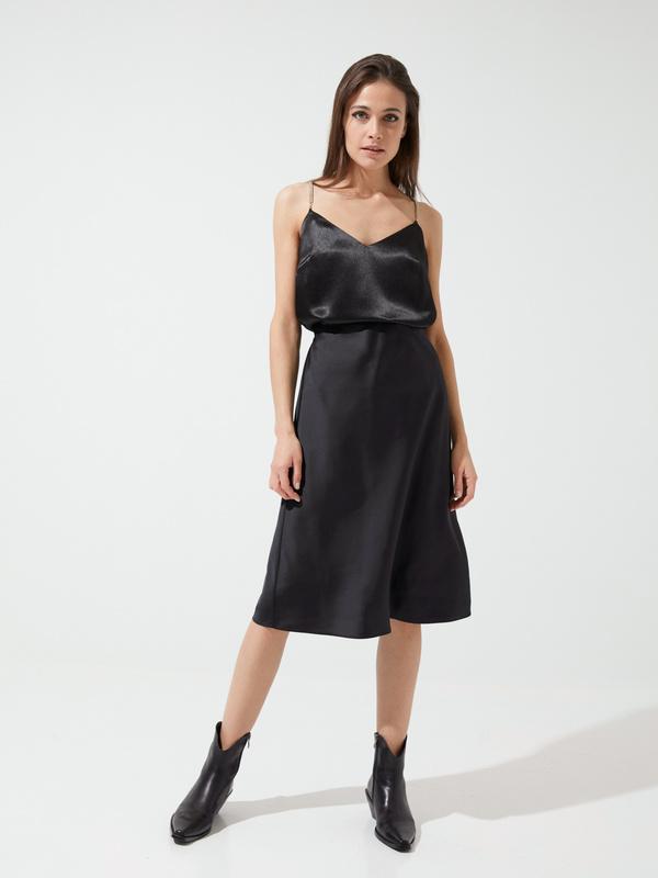 Расклешенная юбка в бельевом стиле - фото 5
