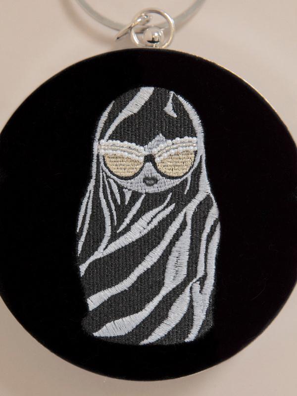 Круглая бархатная мини-сумка - фото 3